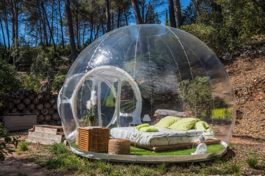 Bubble hotel in france