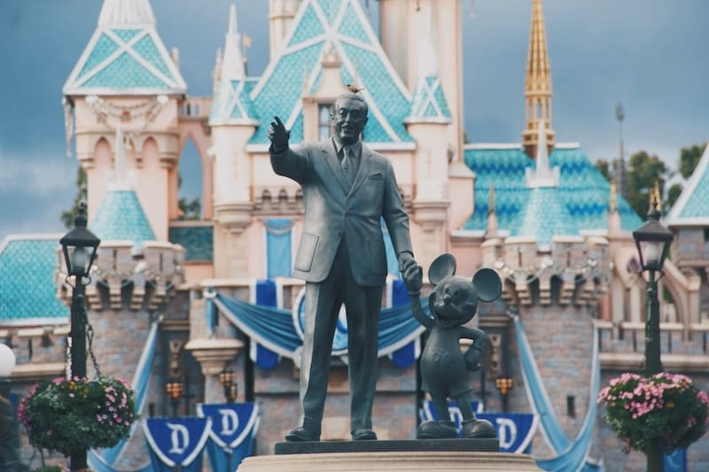 Entrada a Disneyland