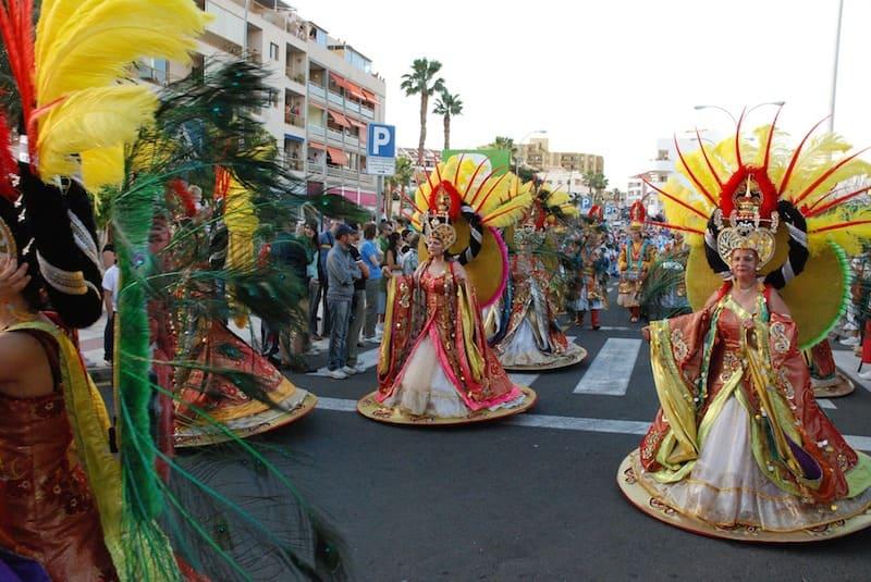Santa Cruz de Tenerife se viste de carnaval